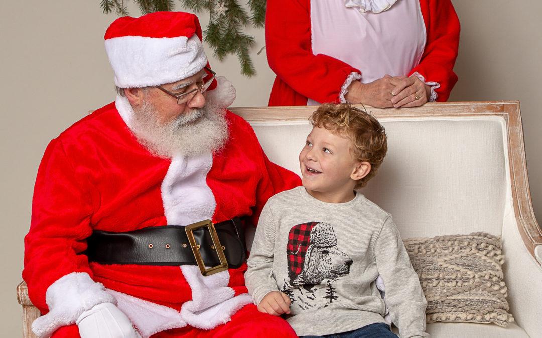 7 Reasons Why You Should Get Santa Photos at Glimpse Photography Spokane this Christmas